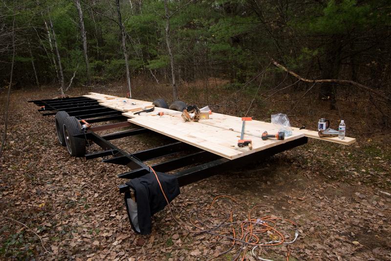 minimal-mansion-trailer