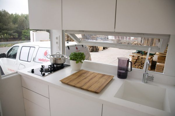 La Casa Móvil Vodafone tiny house kitchen