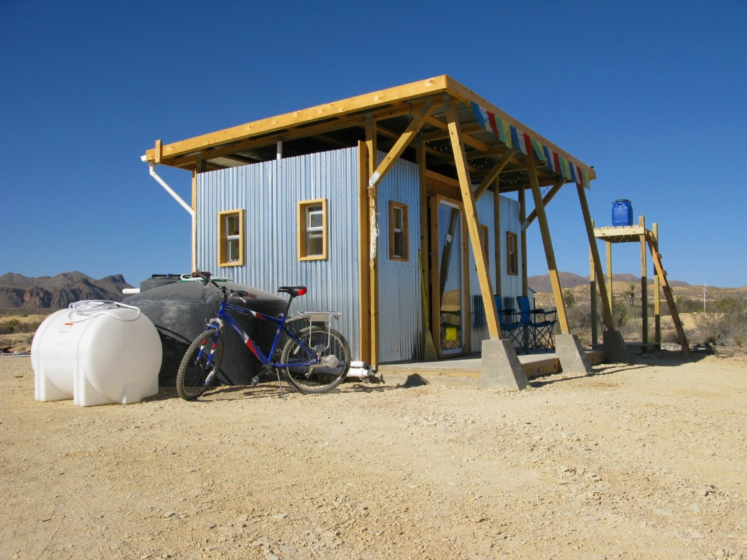 The Field Lab – Extremely Sustainable Homestead