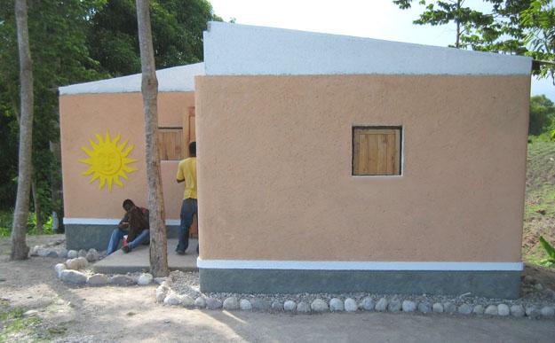 Affordable & Earthquake Resistant Earthbag Homes