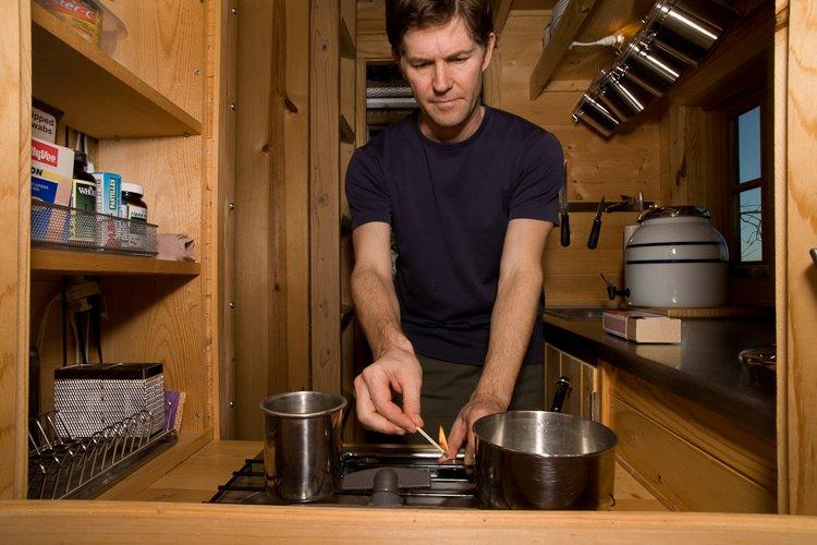 Minimalist Kitchens & Cooking – Part 1