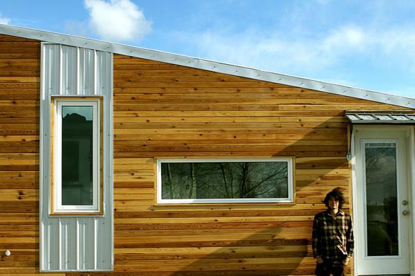 Leaf House Yukon Canada - Exterior Detail