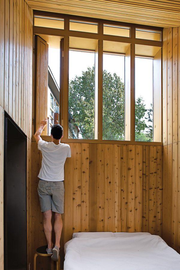 Blee-Cabin-Bedroom-Windows
