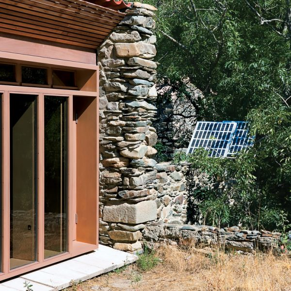 Blee-Cabin-Photovoltaics-Detail