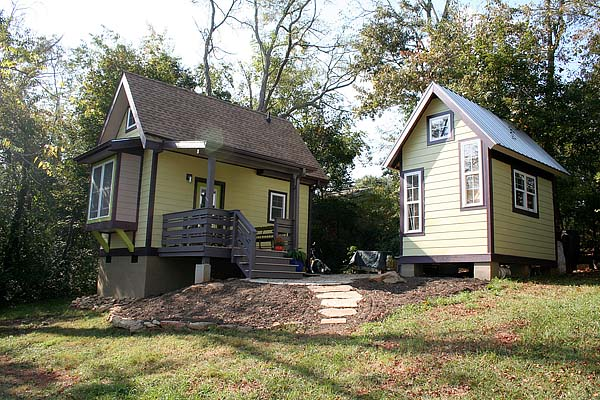 Tiny House by Marcus - Side
