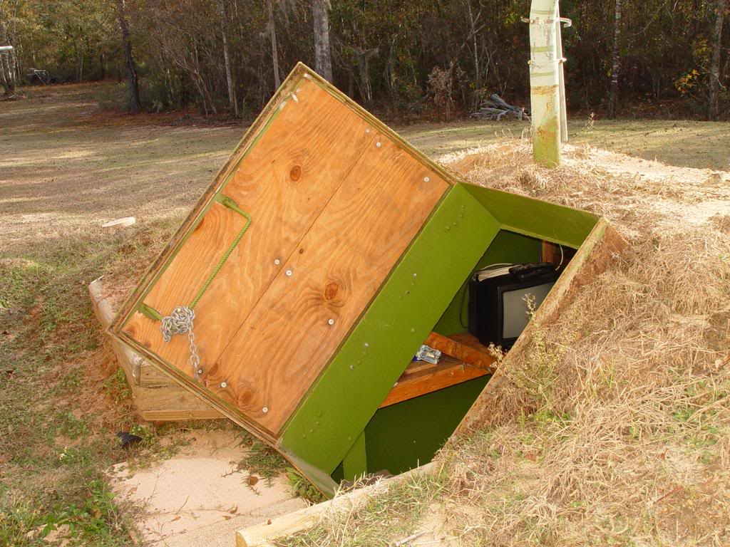 Storm Bunker made from fule tank - entry