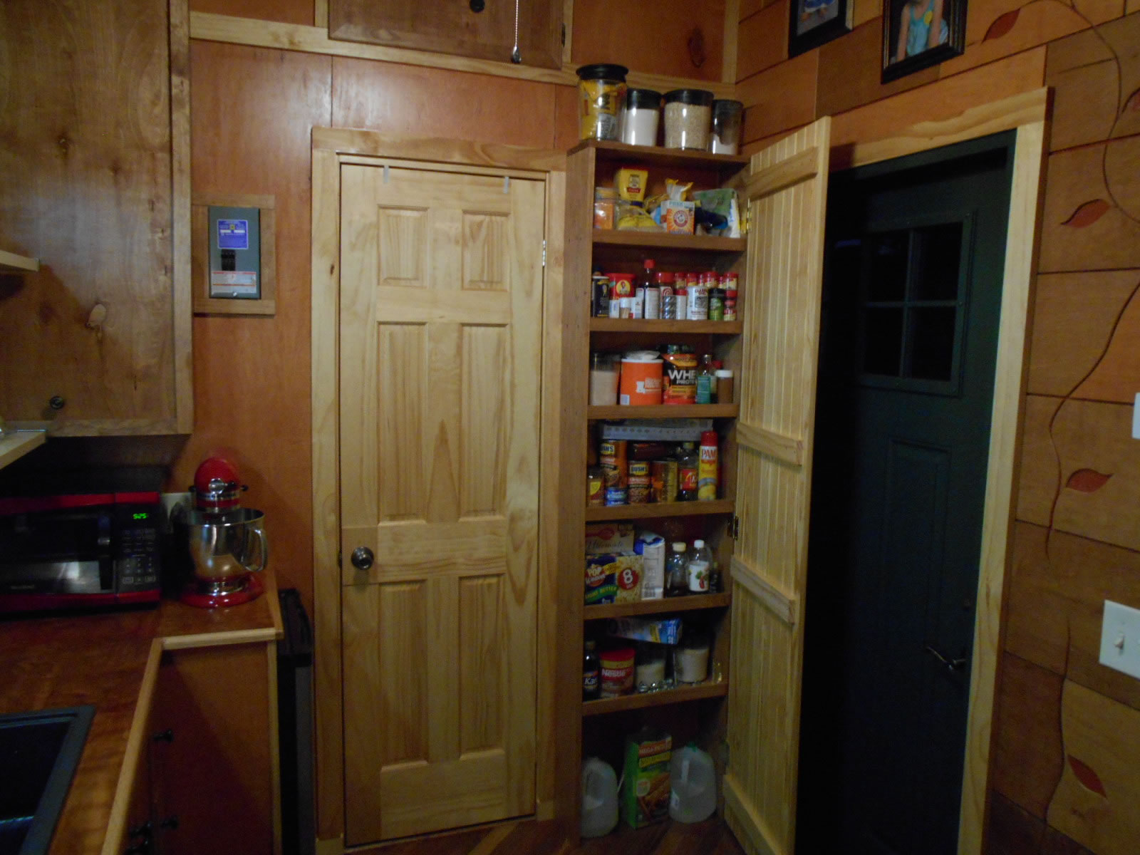 Mike's Tiny House - Kitchen 2
