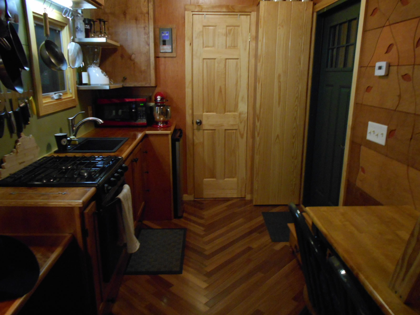 Mike's Tiny House - Kitchen