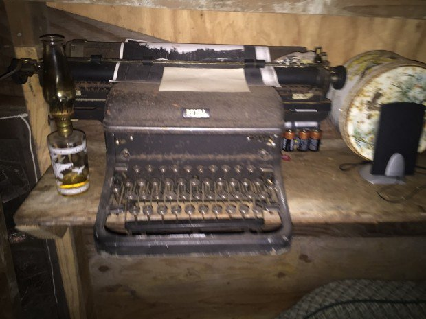 Mad River Cabin - Typewriter
