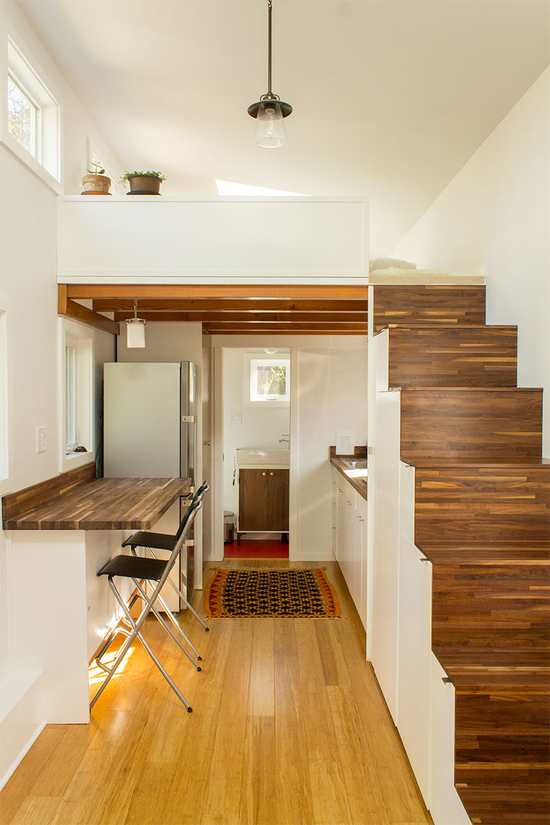 Hikari-Box-Tiny-House-First-Floor