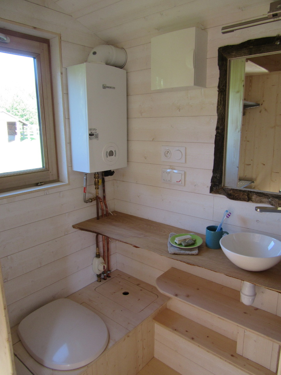 La Tiny House - Bathroom