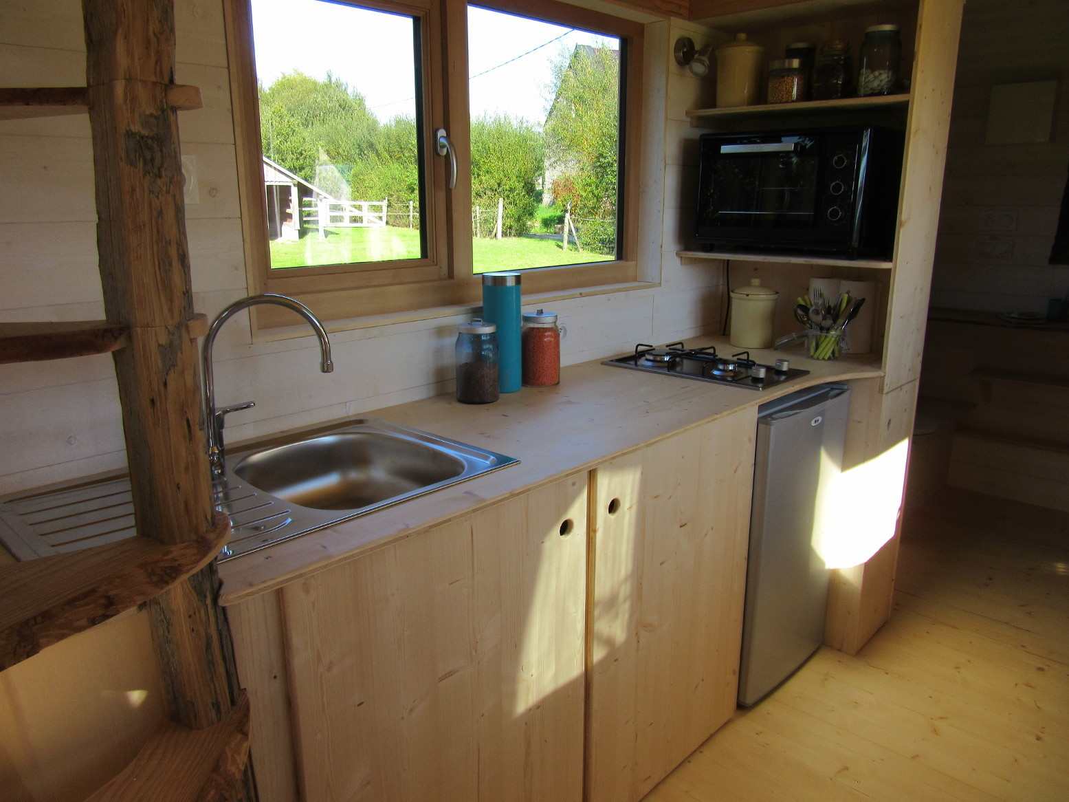 La Tiny House - Kitchen 2