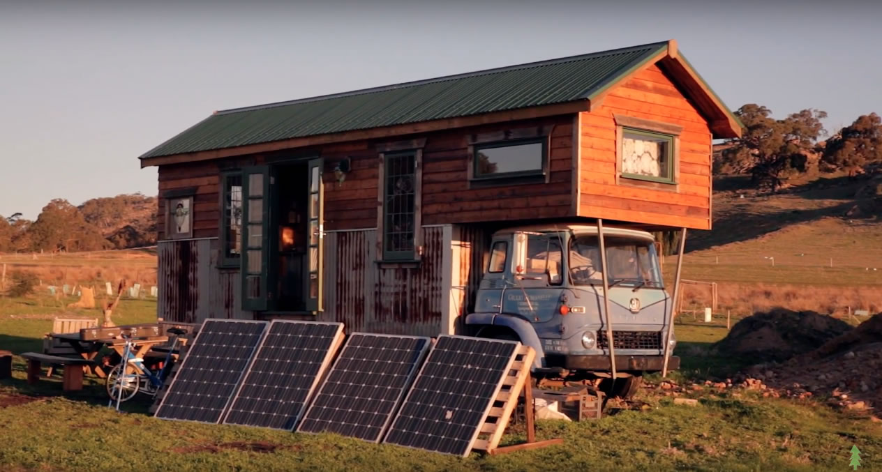 Handmade House Truck Solar System