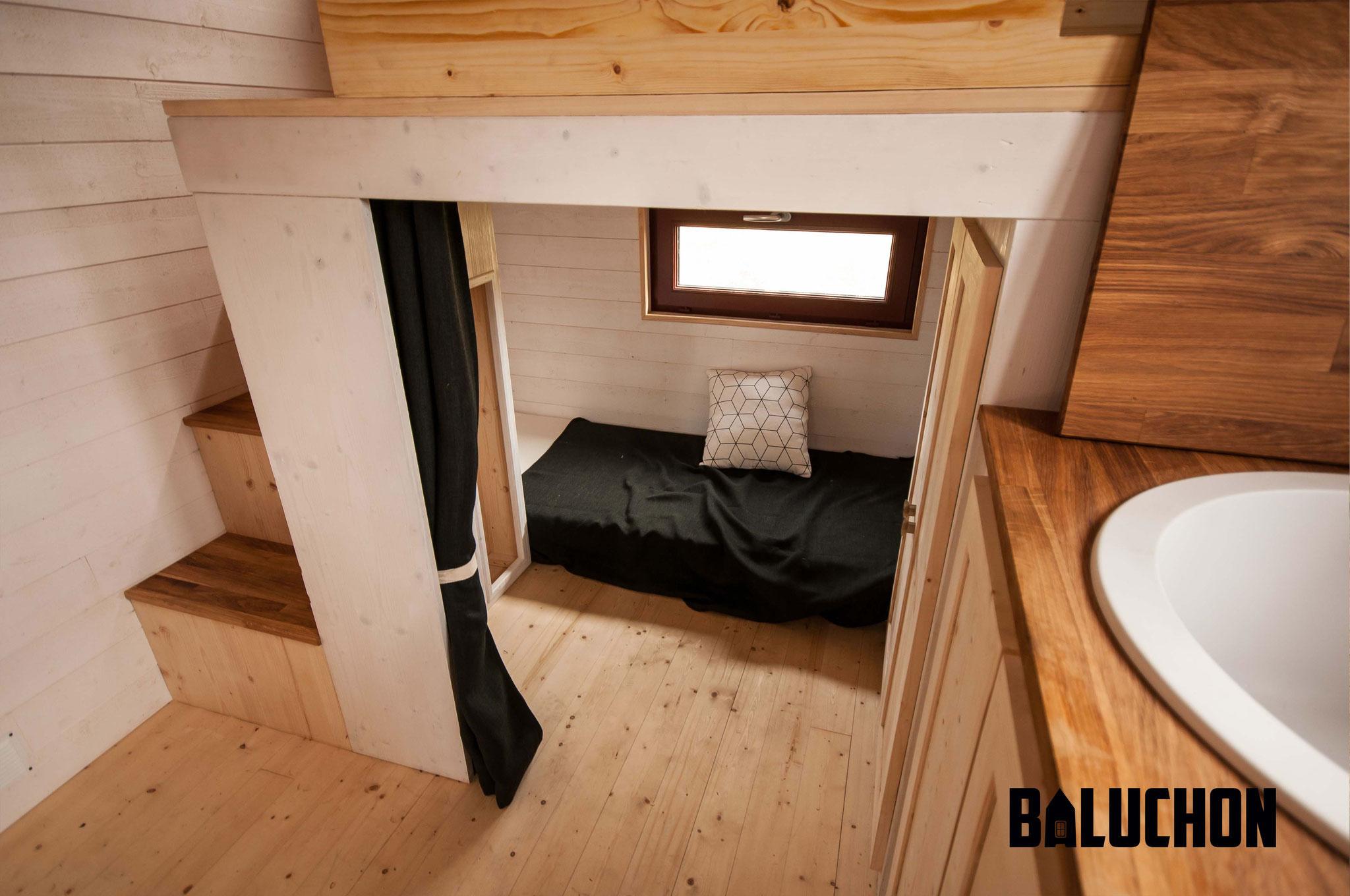 L'Odyssée - French Tiny House Unique Loft Bed Below