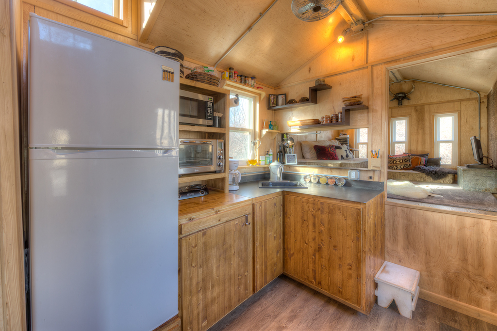 Lewis and Clarks Tiny House in Montana - Kitchen