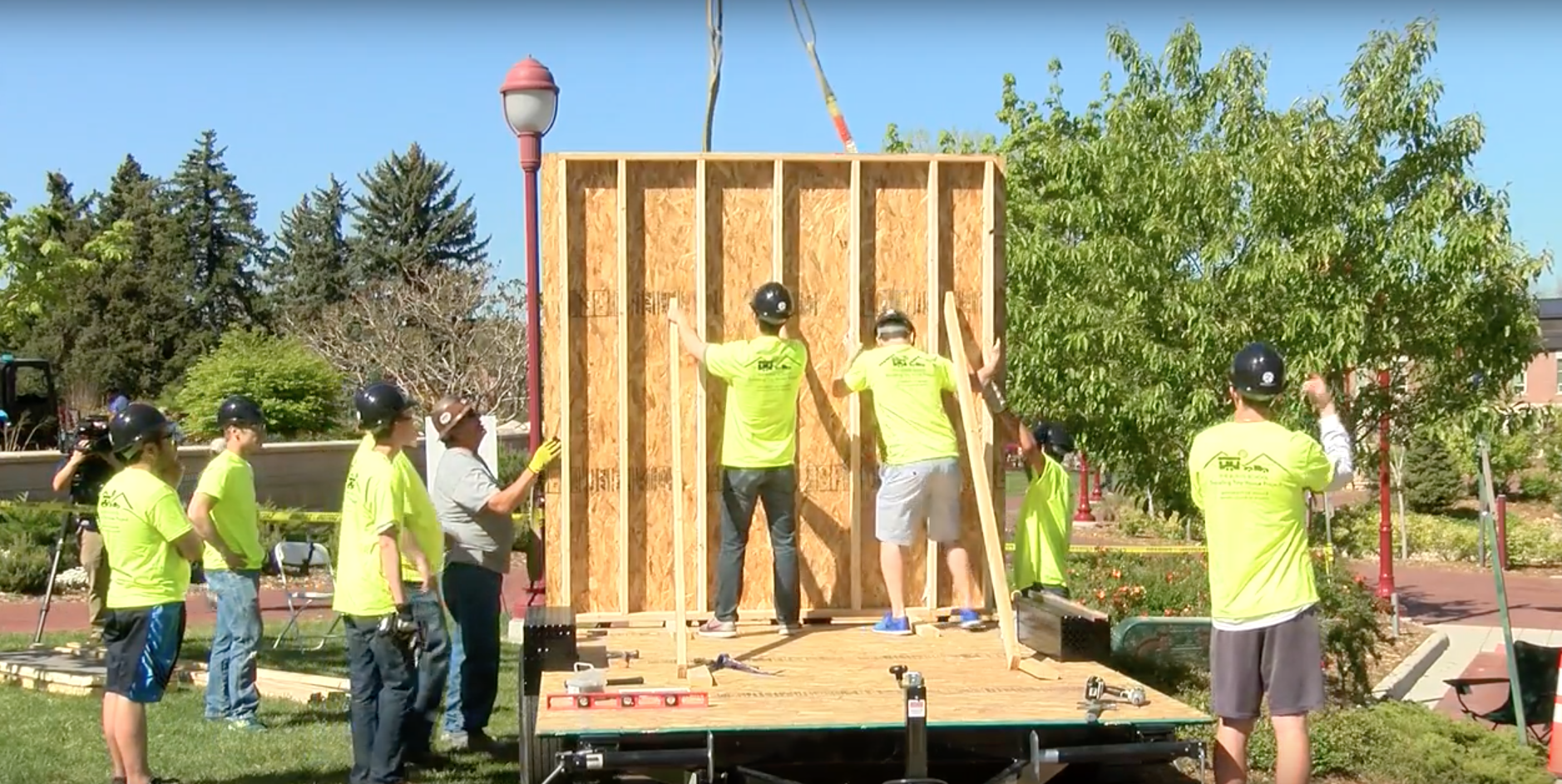 University of Denver Students Speed Build a Tiny House for the Homeless - Construction