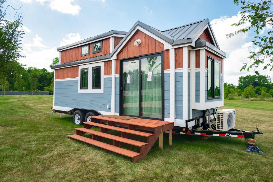 Students Build RE/MAX Tiny House